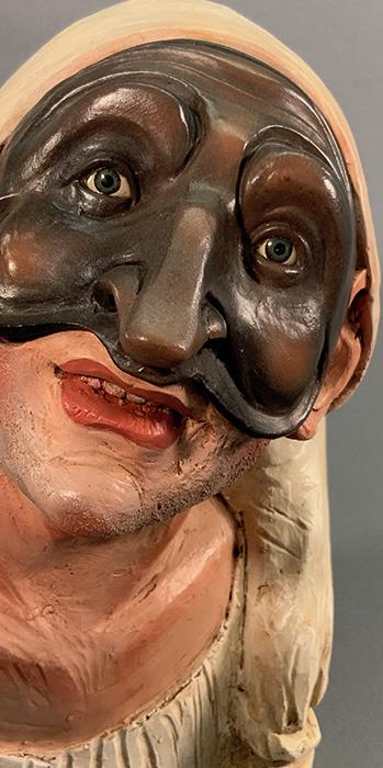 Busto di pulcinella in terracotta dipinta mano con occhi di vetro